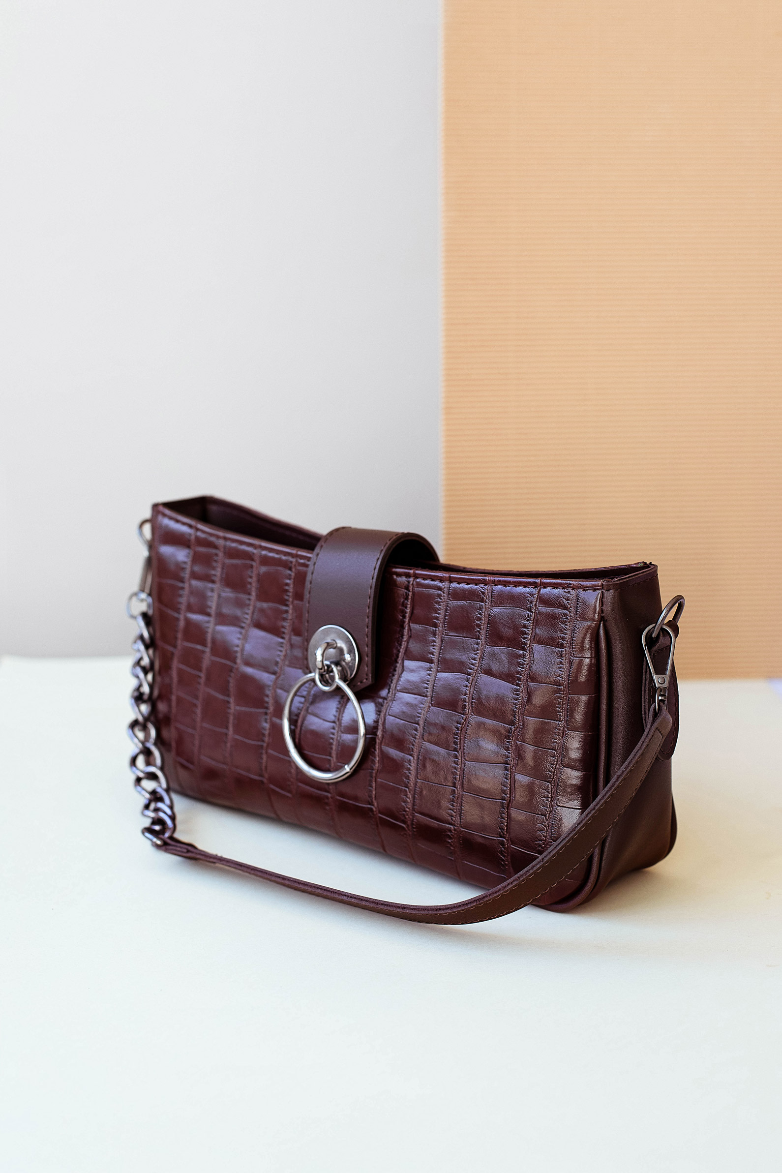 Женская сумка Avery коричневый крокодил